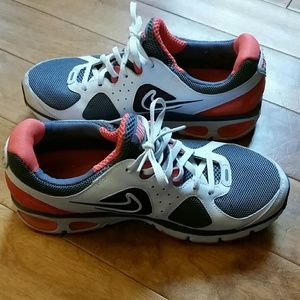Nike Air Max Running Shoe EUC